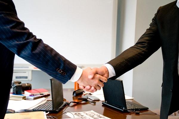 maneoが2015年内を目処にGMOクリックホールディングスと資本業務提携へ