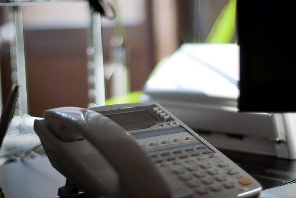 その固定電話は本当に必要?70%以上の家庭が固定電話を持っていないことが判明