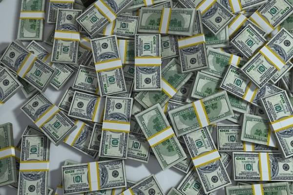 円安・株高の影響で公的年金が5兆1,352億円の黒字!